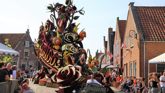Het bloemencorso in Vollenhove op de laatste zaterdag van augustus is op vier regionale tv-zenders te zien.