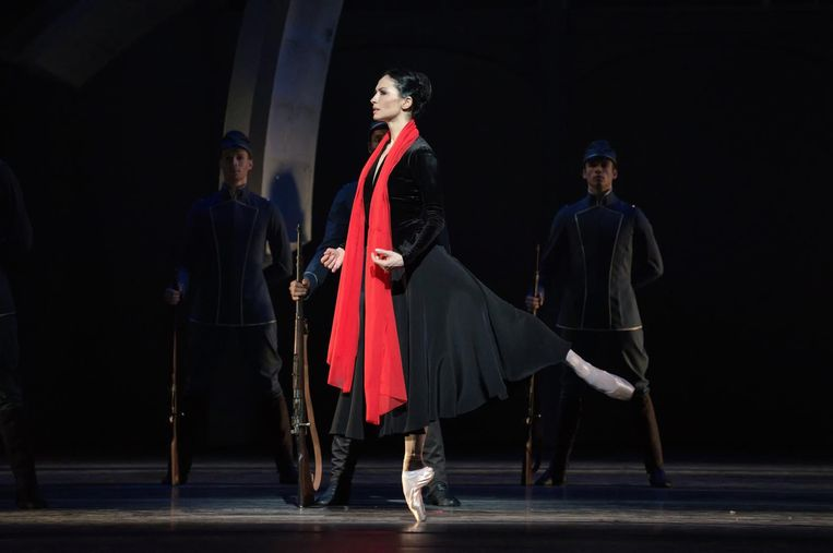 Tsygankova in haar rol als Mata Hari, waarvoor zij in 2016 de felbegeerde Zwaan kreeg toegekend. Beeld Marc Haegeman