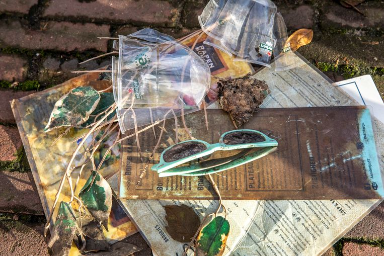 Plastic dat uit Leidse grachten is gevist.  Beeld Raymond Rutting