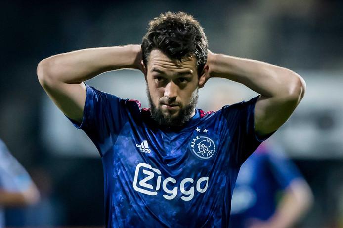 Amin Younes in het shirt van Ajax.