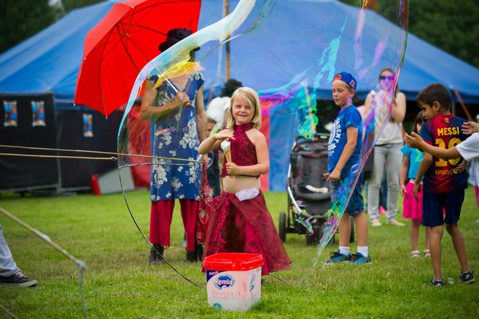 'Megabellenblazen' tijdens een eerdere editie van het Immerloo Park Festival.