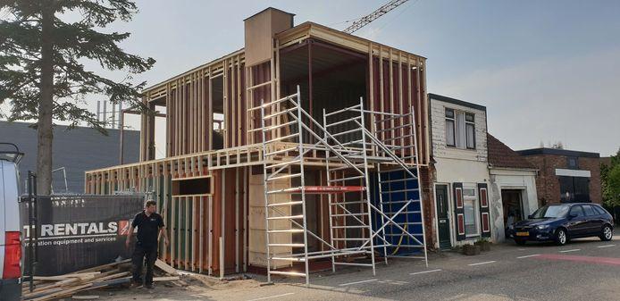 Contour bouwde huizen met behulp van zeecontainers als basisconstructie, zoals aan de Baanhoekweg in Sliedrecht.