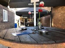 Café de Prins in Scherpenzeel sluit deuren na klachten over drukte: 'Liever dit dan een boete'  <br>