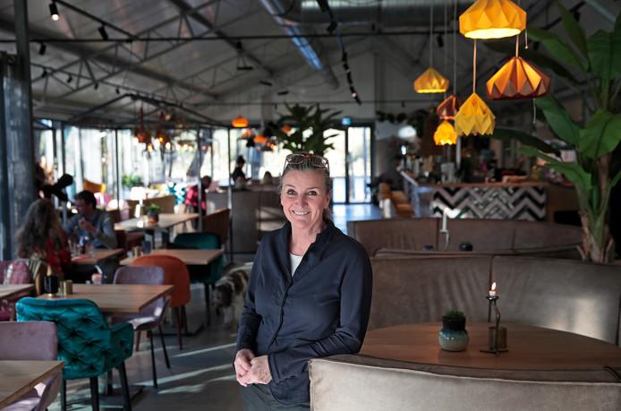 Eigenaresse Edith Schoo van restaurant De Brielsche Aap in Brielle