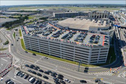 Alle parkings op Brussels Airport volzet