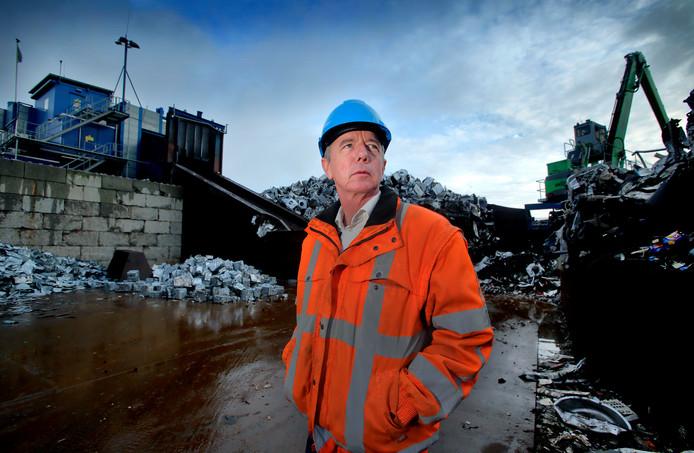 """HKS-directeur Wout Kusters op zijn bedrijf in 's-Gravendeel: ,,Vanwege de bereikbaarheid is het Moerdijk geworden."""""""
