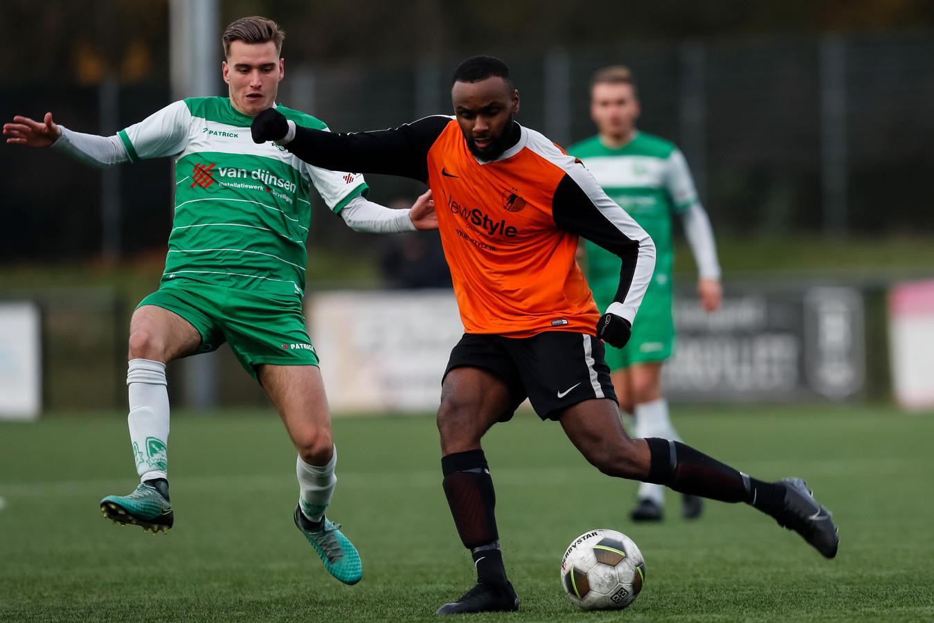 Jeremy Goveia van SC Kruisland speelde tegen zijn oude club.