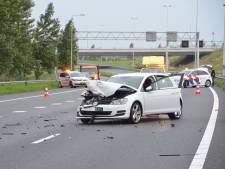 Ernstig ongeval op A20: snelweg dicht en meerdere gewonden