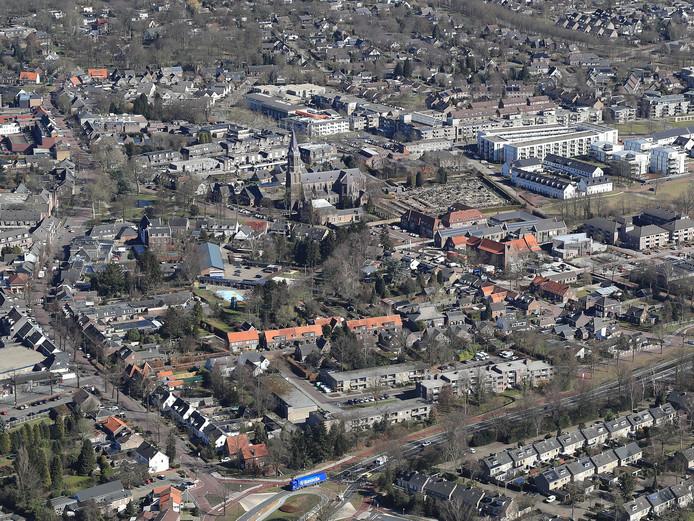 Luchtfoto van het centrum van Nuenen.