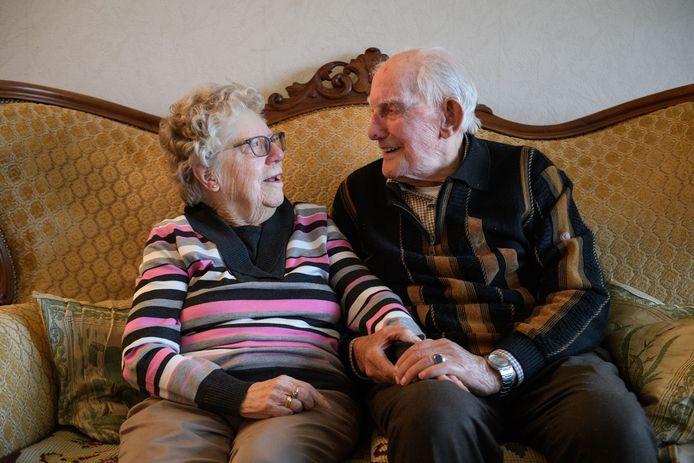 Het echtpaar Lipholt (70 jaar getrouwd).