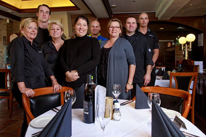 Berkel-Enschot, 7 november 2017De Druiventros, het personeel met in het midden voorop Jannyfoto: Dolph Cantrijn