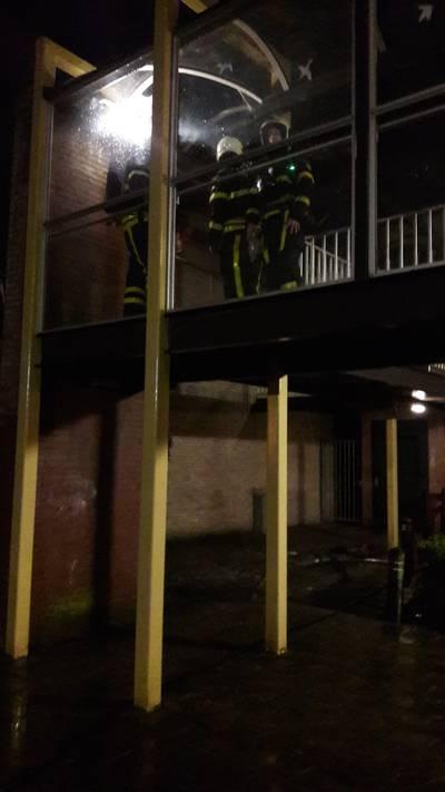 Vuur in Rijsbergse galerij vermoedelijk brandstichting: 'Ze roken hier jointjes en drinken shotjes'