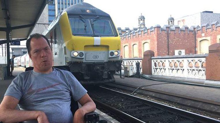 Kurt Vanhauwaert in het station van Gent Sint-Pieters