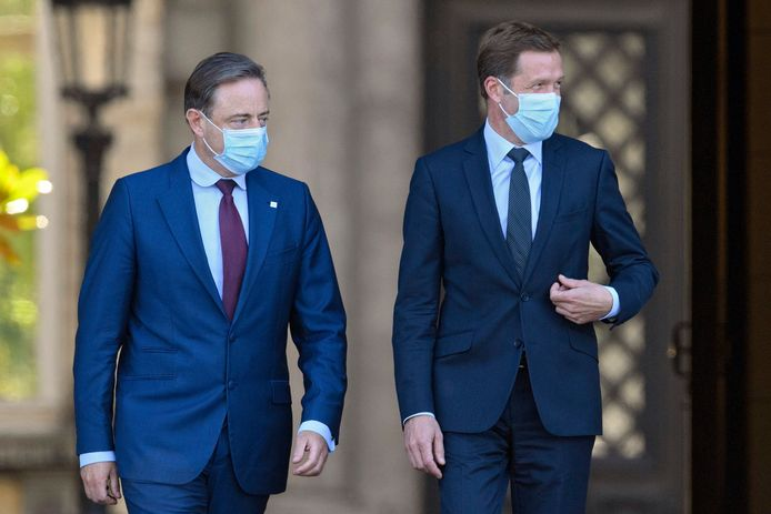 Bart De Wever (N-VA) et Paul Magnette (PS)