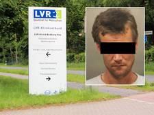 Duitse gevangene sneed stuk oor gijzelaar af tijdens ontsnapping