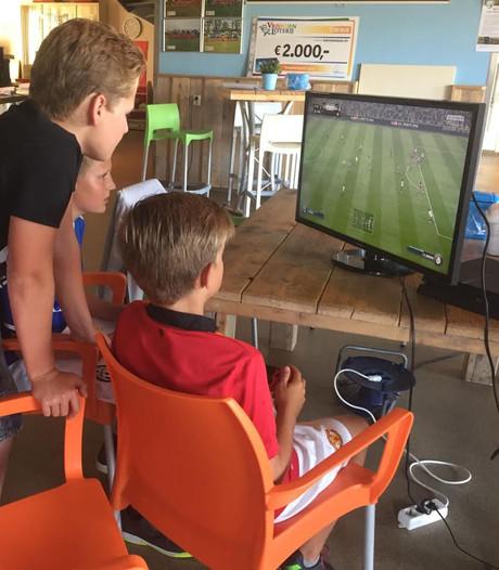 Wekelijkse jeugdsoos in voetbalkantine Burgh-Haamstede