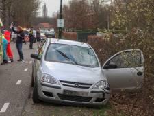 Mountainbiker zwaargewond na botsing met auto in Bakel