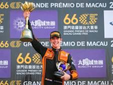 Verschoor (18) in voetsporen Senna en Schumacher: 'Mooiste overwinning uit carrière'