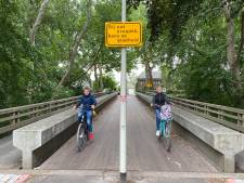 Kale planken maken Zoomburg 'bloedlink' voor fietsers, ook als het niet regent