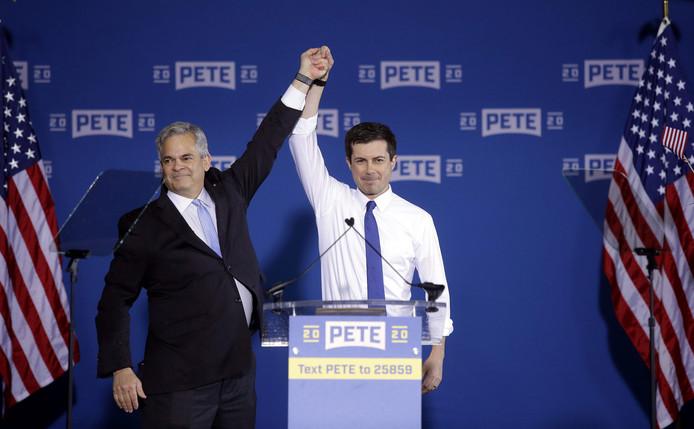 De burgemeester van Austin, Texas, Steve Adler (links) introduceert Pete Buttigieg, de burgemeester van South Bend, Indiana terwijl hij zijn officiële kandidatuur voor de Amerikaanse presidentsverkiezingen bekendmaakt.