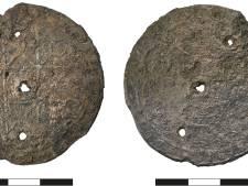 Archeologen vinden mysterieus amulet bij IJsselkade in Zutphen
