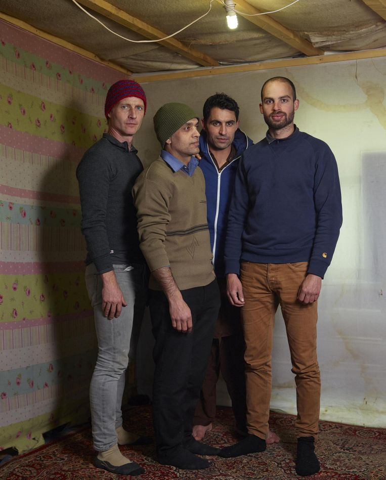 Vanaf links: Henk Wildschut, vriend Aziz, restauranteigenaar Noor en assistent Hishaam. Beeld null