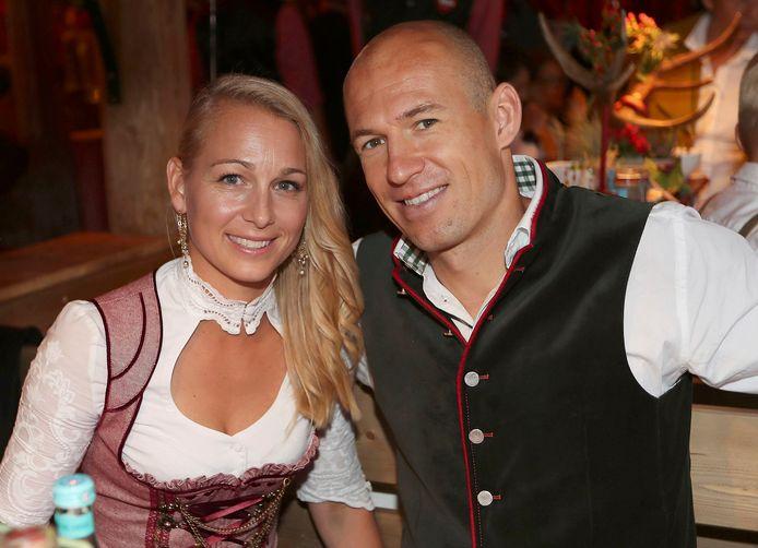 Arjen Robben en zijn vrouw tijdens een Oktoberfest in 2016.