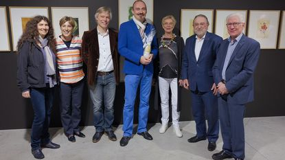 Bert Kruismans opent cartoontentoonstelling
