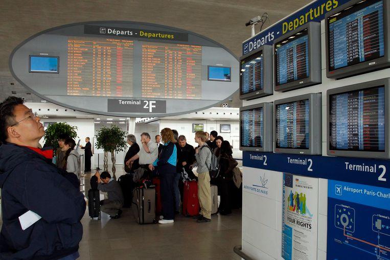 Terminal 2F in Charles-de-Gaulle, Parijs. De dakloze man verbleef er alle enkele dagen, tot hij vorige vrijdag plots heel wat cash geld vond.