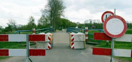Gramsberger bruggen moeten compleet vervangen worden