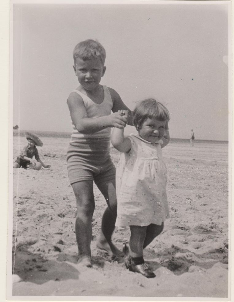 Heinke met broer Henk in 1933. Beeld