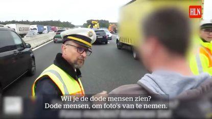 Agent nodigt ramptoeristen uit naar verkeersdode te kijken