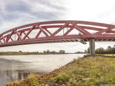 Treinverkeer over Hanzeboog in Zwolle hervat na  aanrijding met een persoon
