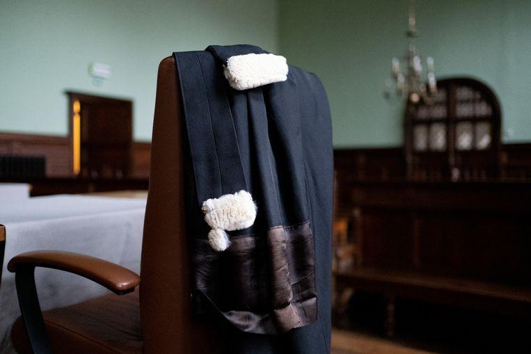 MECHELEN - Een toga in de correctionele zittingszaal van de rechtbank in de Mechelen.