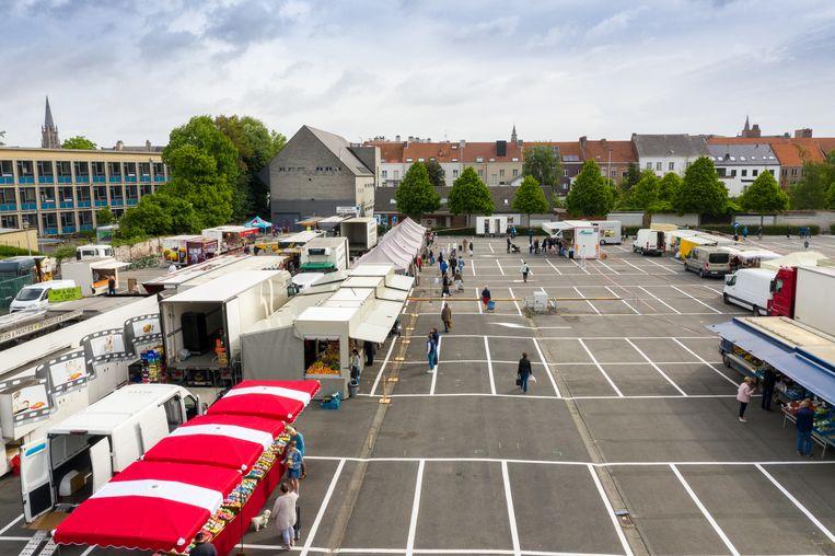 De zaterdagmarkt op de Keizershalparking. Echt druk was het er niet