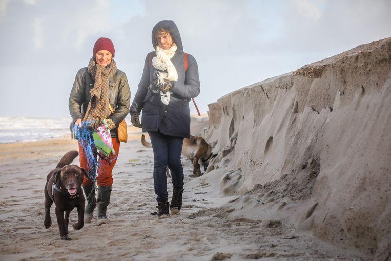 Onder meer in Knokke zijn er opnieuw kliffen op het strand