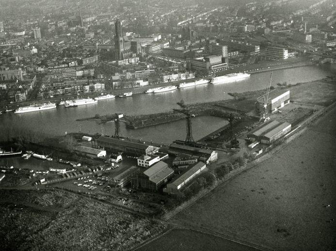 Het ASM-terrein op Stadsblokken, gefotografeerd vanuit de lucht op 14 november 1978.