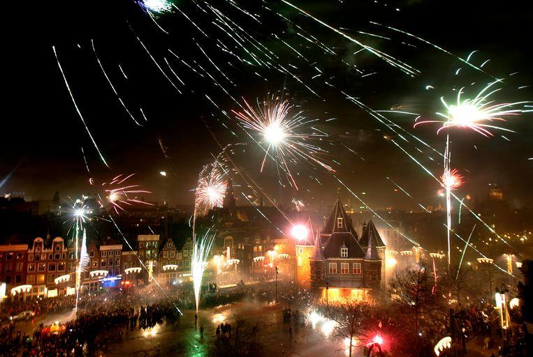 Vuurwerk op de  Nieuwmarkt. Beeld ANP