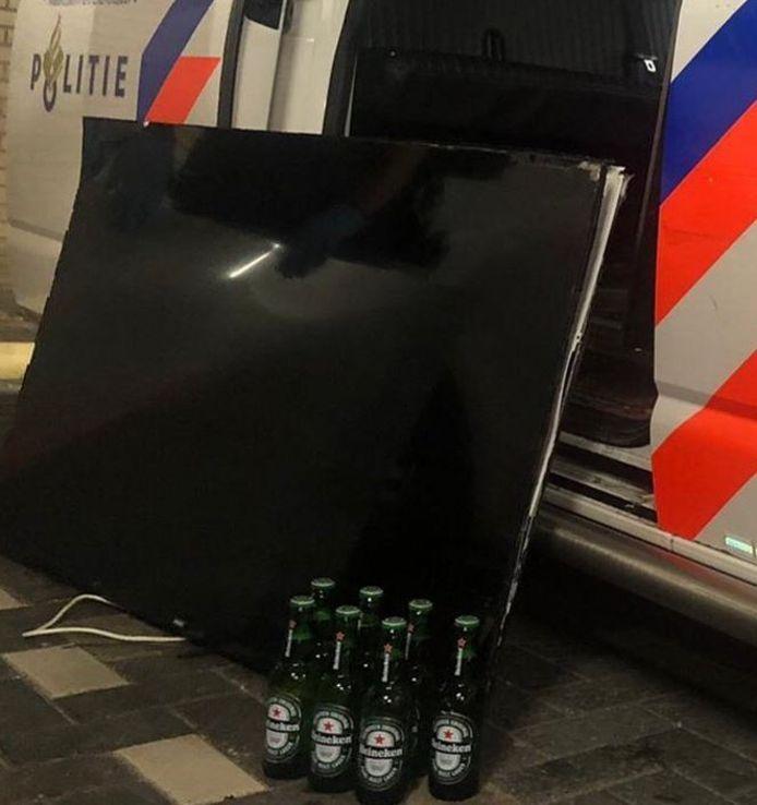 De inbreker had een televisie en zeven flesjes bier gestolen.