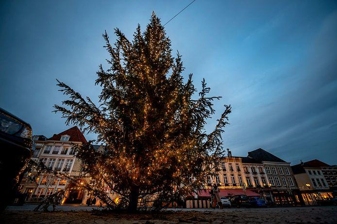 De kerstboom is een initiatief van Sterck.