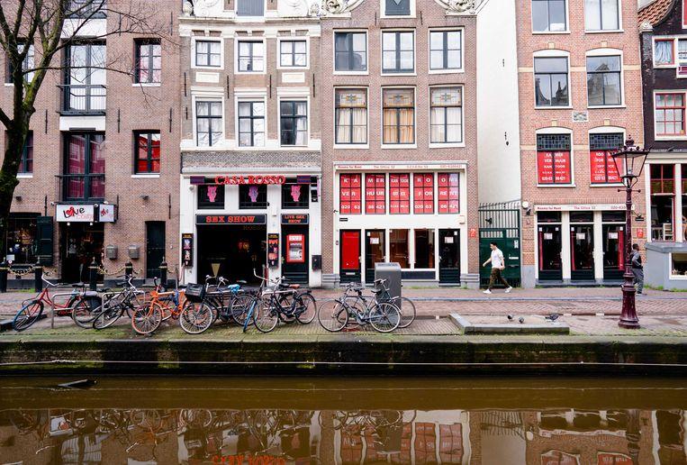 De Wallen in Amsterdam. Jongerenbeweging Exxpose wil betalen voor seks strafbaar maken.  Beeld ANP