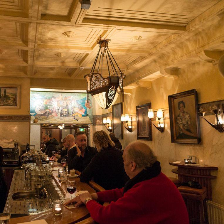 Aukje Dekker: 'Restaurant Schiller is een plek waar de tijd heeft stilgestaan' Beeld Rink Hof