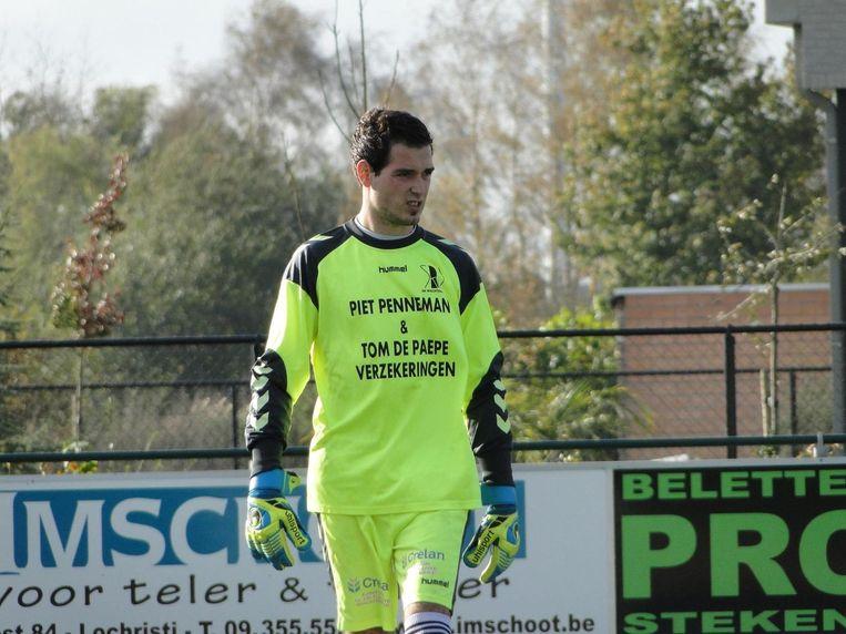 Kaay Criel, doelman bij SK Wachtebeke, zag zaterdag hoe zijn ouders klappen kregen van SK Beveren-supporters.