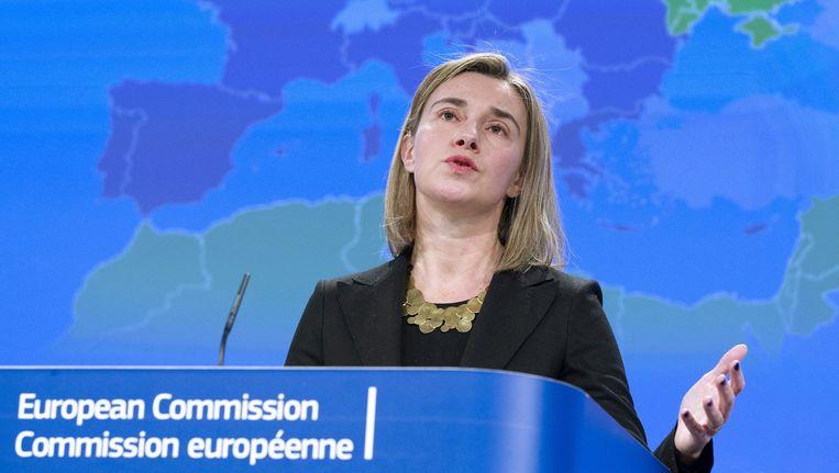 """De hoge vertegenwoordiger van het buitenlands beleid, Federica Mogherini sprak onder meer over de fel bekritiseerde relatie met Rusland: """"De deur voor Europese samenwerking met Rusland staat nog steeds open"""", aldus de Italiaanse, maar """"it takes two to tango""""."""