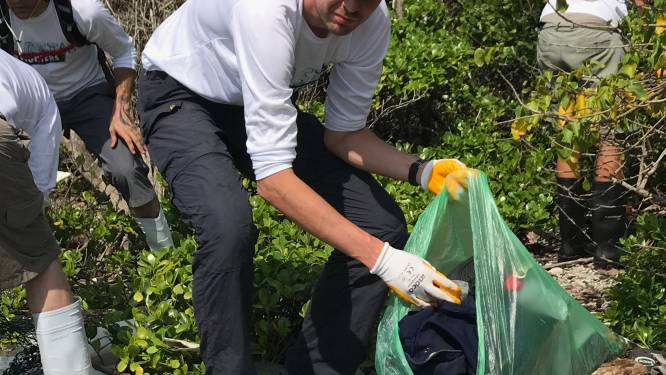 Onze journalist helpt mee het afvoerputje van de planeet te bevrijden van de plastic soep: 9.000 kilo opgeruimd in twee dagen. Evenveel als er elke 30 seconden in zee belandt