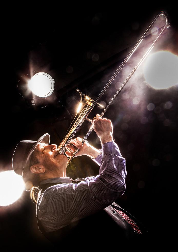 Trombonist Steve Yocum van Yezz! That's swing