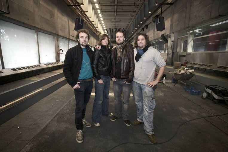 De Oprichters van Trouw: Daan Steures (clubmanager), Maike Vernooij (cultureel programmeur), Olaf Boswijk (algemeen directeur en muzikaal programmeur) en Jaymz Pool (Chef-kok/manager keuken). Beeld Olivier Middendorp