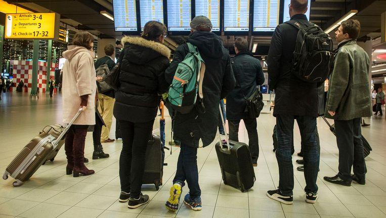 Luchtvaartmaatschappijen moeten op Schiphol start en landingsrechten aan elkaar kunnen verkopen Beeld ANP