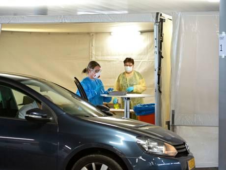 Drive-thru voor gratis coronatesten straks ook in Schiedam, Nissewaard en Goeree-Overflakkee