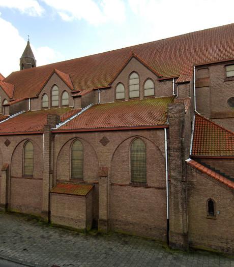 Deur van Drieëenheidkerk in Oldenzaal definitief op slot